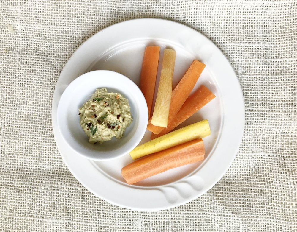 Carrot Stix & Hummus