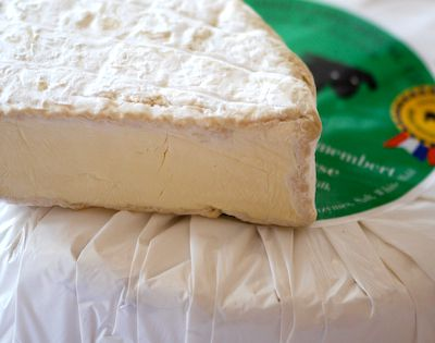 d08bfba53200cf9c09619f9fc452f446--camembert-cheese-fromage-cheese.jpg
