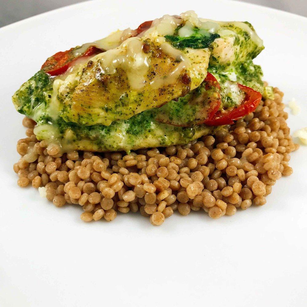 ashly-locklin-pesto-tomato-spinach-stuffed-chicken.jpg