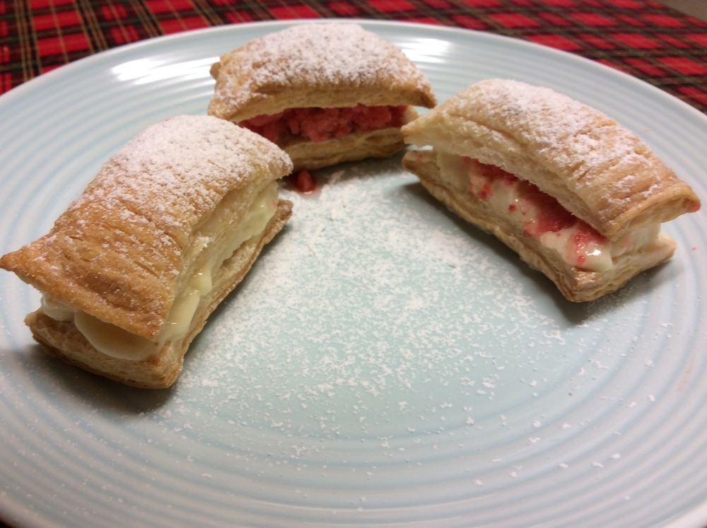 A simple dessert with puff pastry and banana Fro Fru