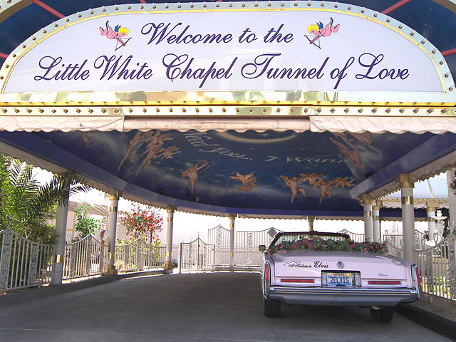 Little white chapel drive thru  Image Source:Larry D. Moore.This file is licensed under the Creative CommonsAttribution-Share Alike 3.0 Unportedlicense.