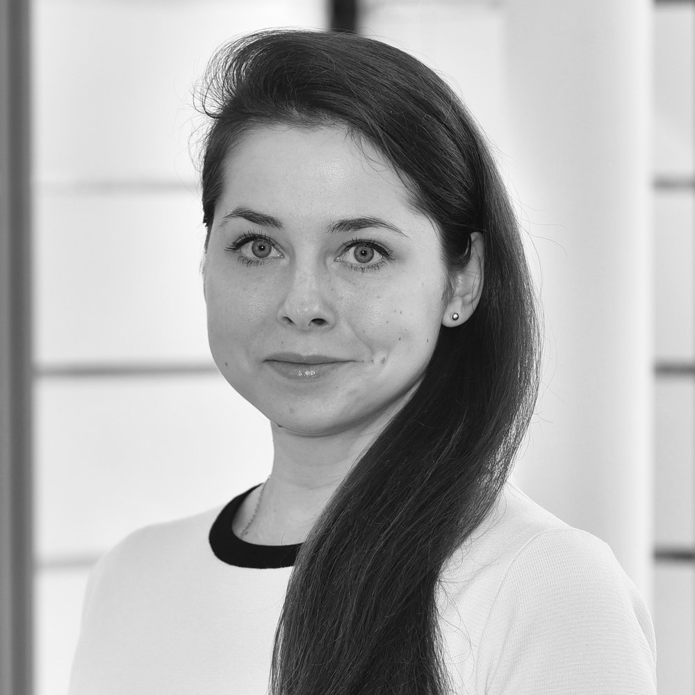 Ksenia Goncharova - CAREER CONSULTANT - CORPORATECorporate career specialist, keen traveller, table tennis player and a volunteer for youth charities.Having graduated from UCL in 2013,Ksenia successfully participated in a large number of assessment centres, including those for Google, PwC, Thomson Reuters, and McKinsey, and secured a graduate scheme with Gazprom Marketing & Trading in London. Upon completion of the programme, she decided to move to IB & consulting and despite offers from Bloomberg and Intercontinental Exchange continued her career working for Deloitte as a consultant in their Investment Banks Assurance and Advisory division. For the past 6 years,Ksenia has been helping young Russian speaking professionals to build their careers in a corporate world in the UK. She is now keen to share her knowledge and assist EP Advisory clients with the graduate scheme applications, assessment centres at the Big4 and other large companies, logic and personality tests, and telephone & face-to-face interviews.