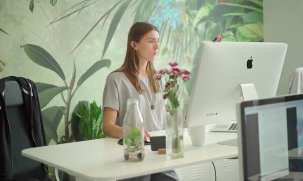 Офис Adjust – как и многие стартапы, он очень светлый, динамичный, с большим количеством зон для совместной работы и просто отдыха с коллегами!