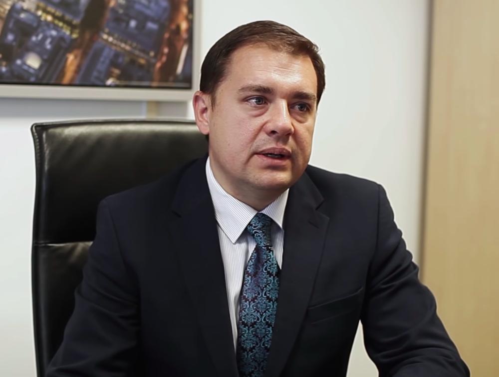 Руслан Косаренко — директор компании Sterling Law & Associates LLP