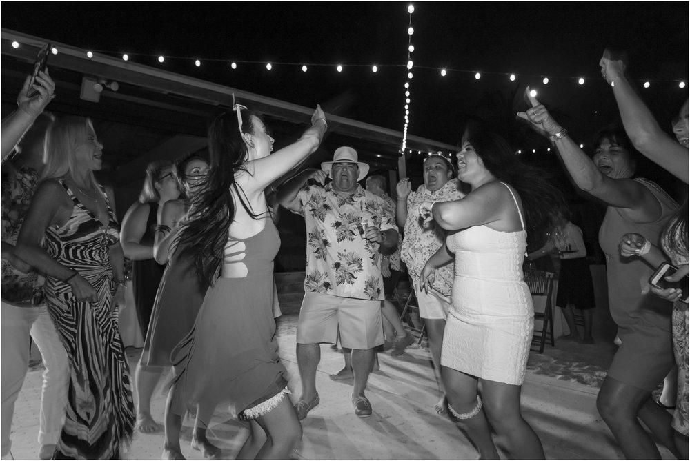 ©FianderFoto_Bermuda_Wedding Photographer_Hamilton_Princess_Brielle_Brandon_057.jpg