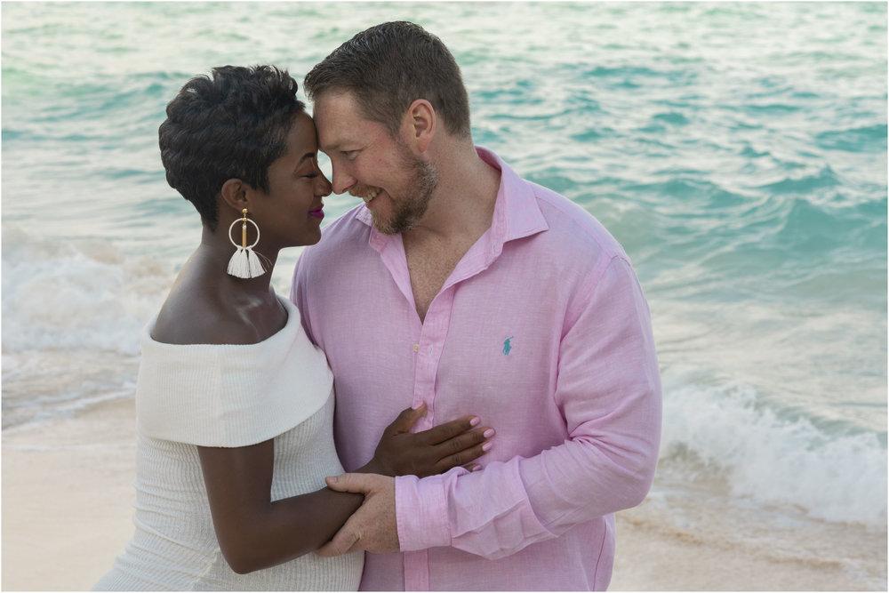 ©FianderFoto_Bermuda Maternity Photographer_Jennifer_Jonathan_022.jpg