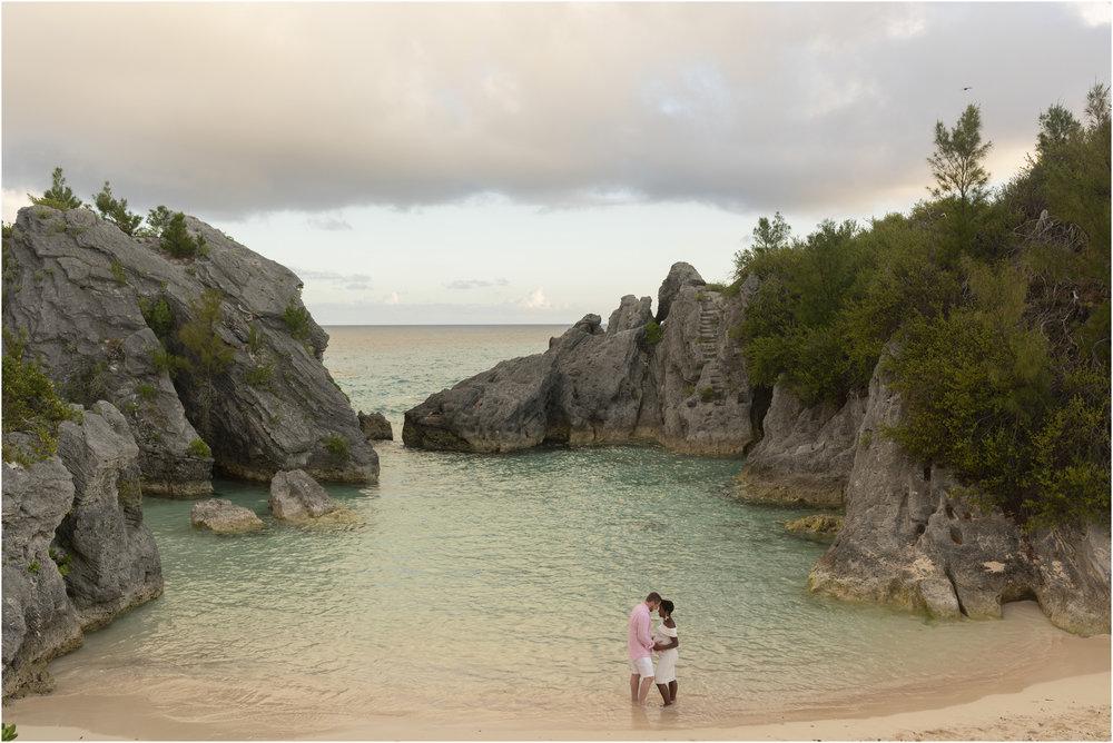 ©FianderFoto_Bermuda Maternity Photographer_Jennifer_Jonathan_033.jpg