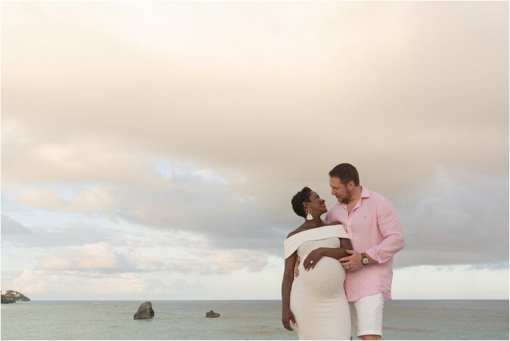 ©FianderFoto_Bermuda Maternity Photographer_Jennifer_Jonathan_036.jpg