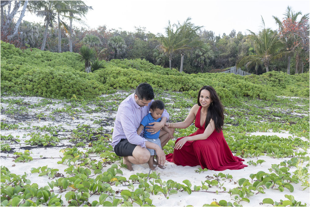 ©FianderFoto_Bermuda Maternity Photographer_Kat_John_J_001.jpg