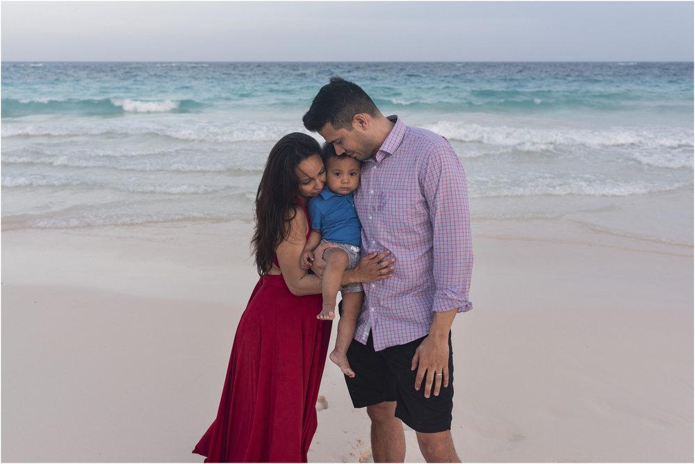 ©FianderFoto_Bermuda Maternity Photographer_Kat_John_J_011.jpg