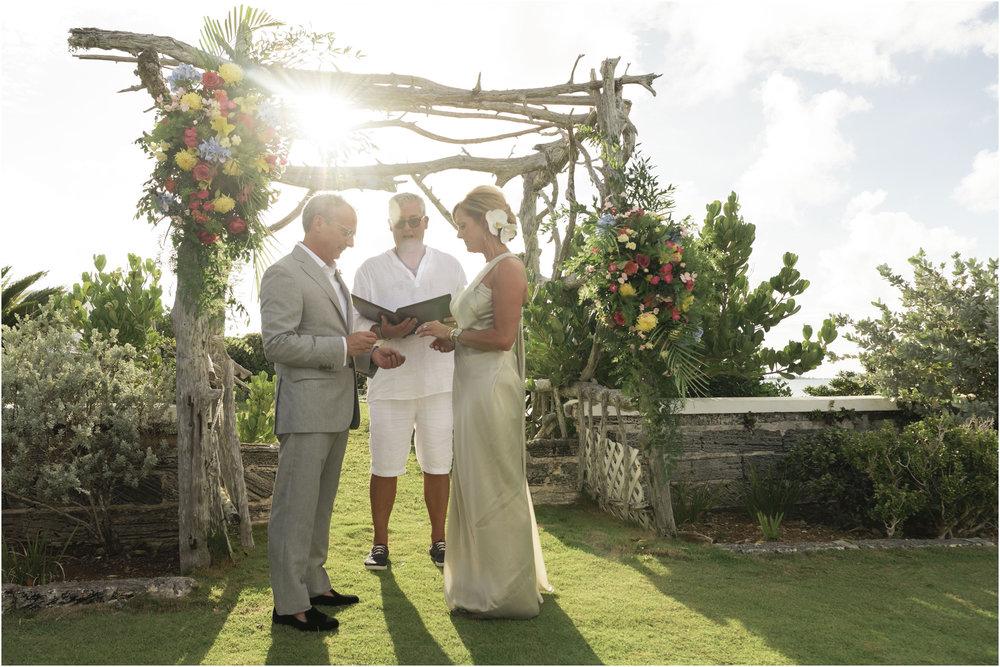 ©FianderFoto_Bermuda_Wedding_Photographer_Long_Island_Bermuda_Nancy_Ray_069.jpg
