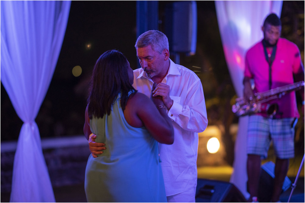 ©FianderFoto_Bermuda_Wedding_Photographer_Long_Island_Bermuda_Nancy_Ray_120.jpg
