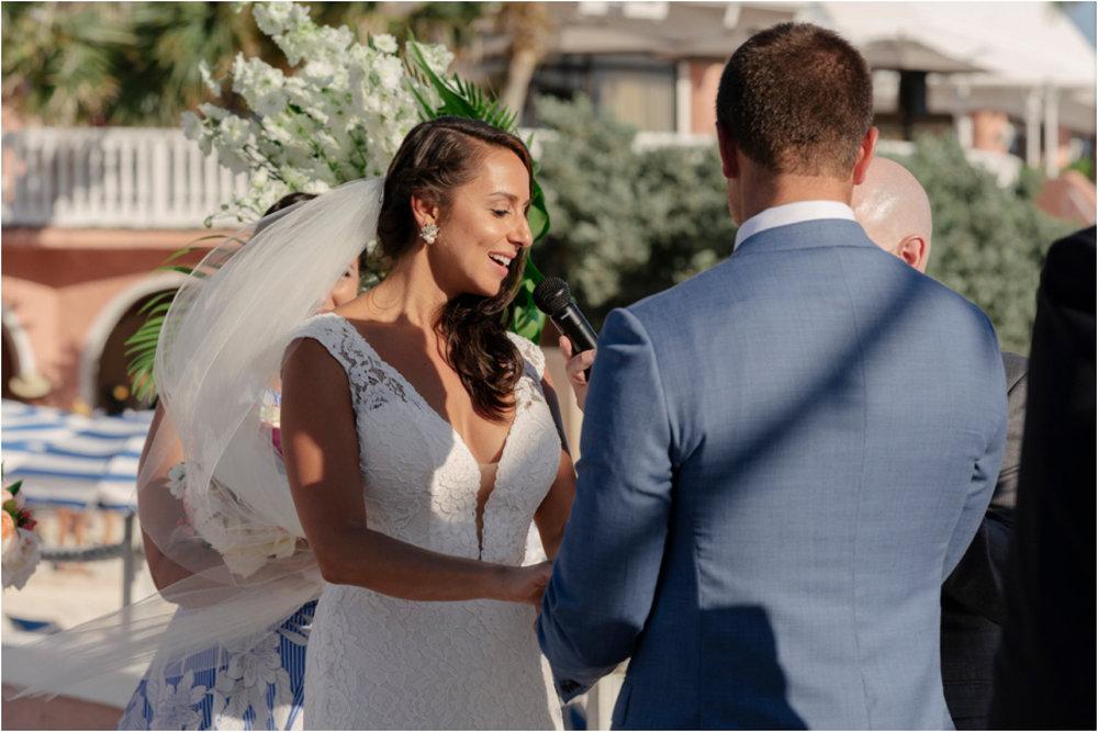 ©FianderFoto_Bermuda Wedding Photographer_Fairmont Southampton_Wedding_Anna_Thomas_051.jpg