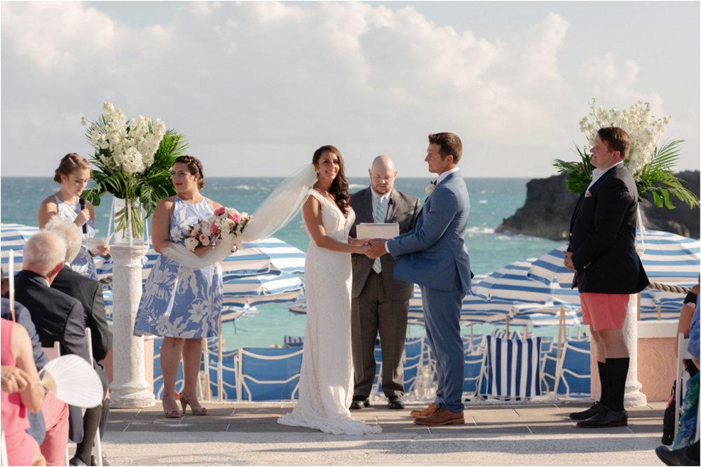 ©FianderFoto_Bermuda Wedding Photographer_Fairmont Southampton_Wedding_Anna_Thomas_050.jpg