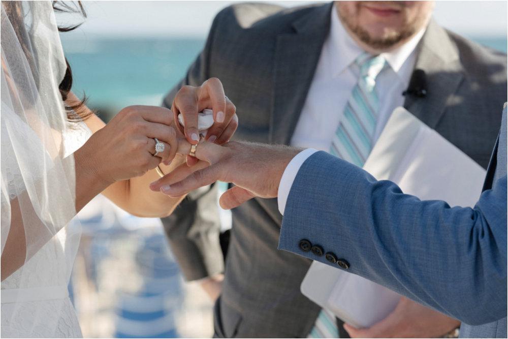 ©FianderFoto_Bermuda Wedding Photographer_Fairmont Southampton_Wedding_Anna_Thomas_059.jpg