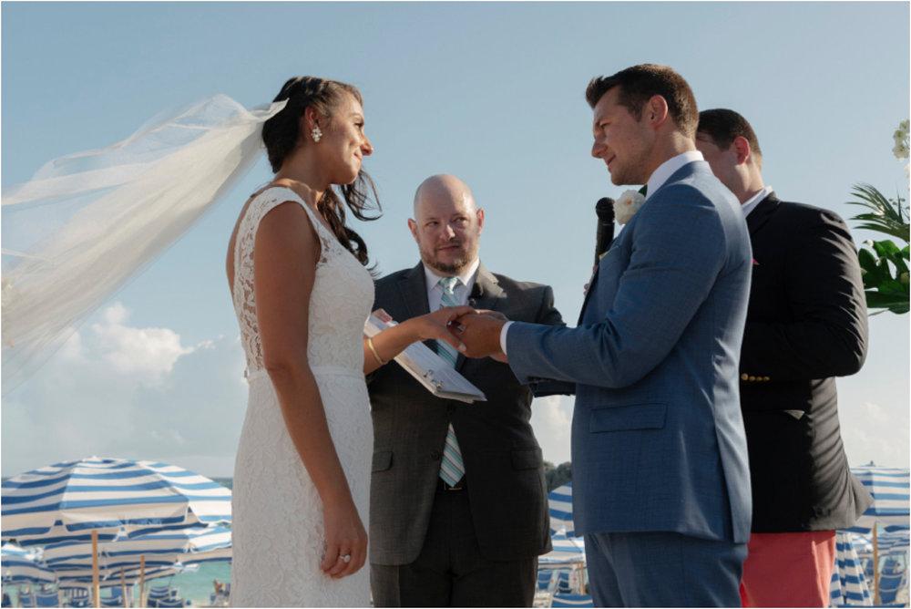 ©FianderFoto_Bermuda Wedding Photographer_Fairmont Southampton_Wedding_Anna_Thomas_058.jpg