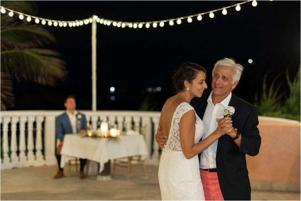 ©FianderFoto_Bermuda Wedding Photographer_Fairmont Southampton_Wedding_Anna_Thomas_107.jpg
