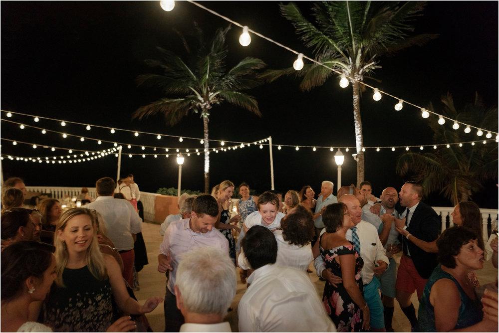 ©FianderFoto_Bermuda Wedding Photographer_Fairmont Southampton_Wedding_Anna_Thomas_112.jpg