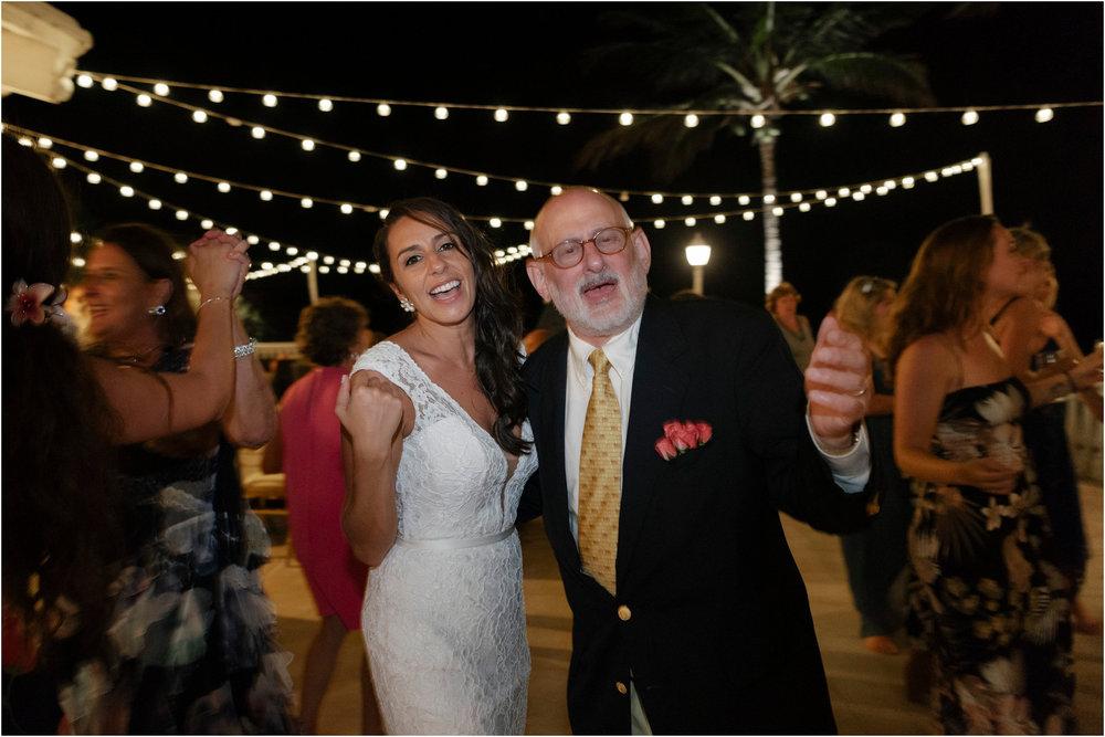 ©FianderFoto_Bermuda Wedding Photographer_Fairmont Southampton_Wedding_Anna_Thomas_111.jpg