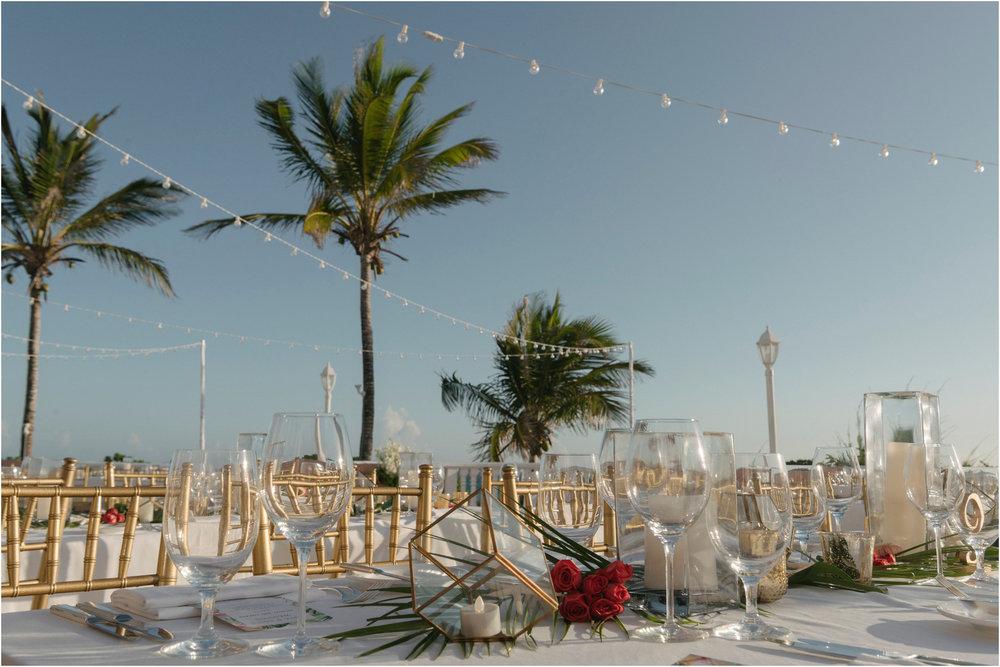 ©FianderFoto_Bermuda Wedding Photographer_Fairmont Southampton_Wedding_Anna_Thomas_084.jpg