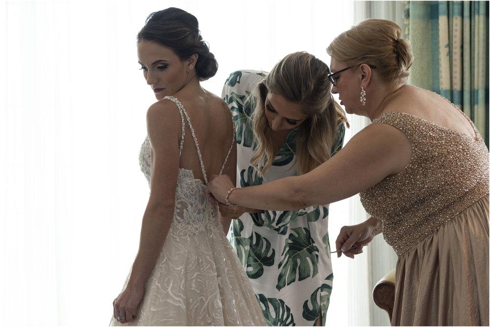 ©Fiander Foto_Bermuda Wedding Photographer_The Reefs_Taylor_Tedd_047.jpg
