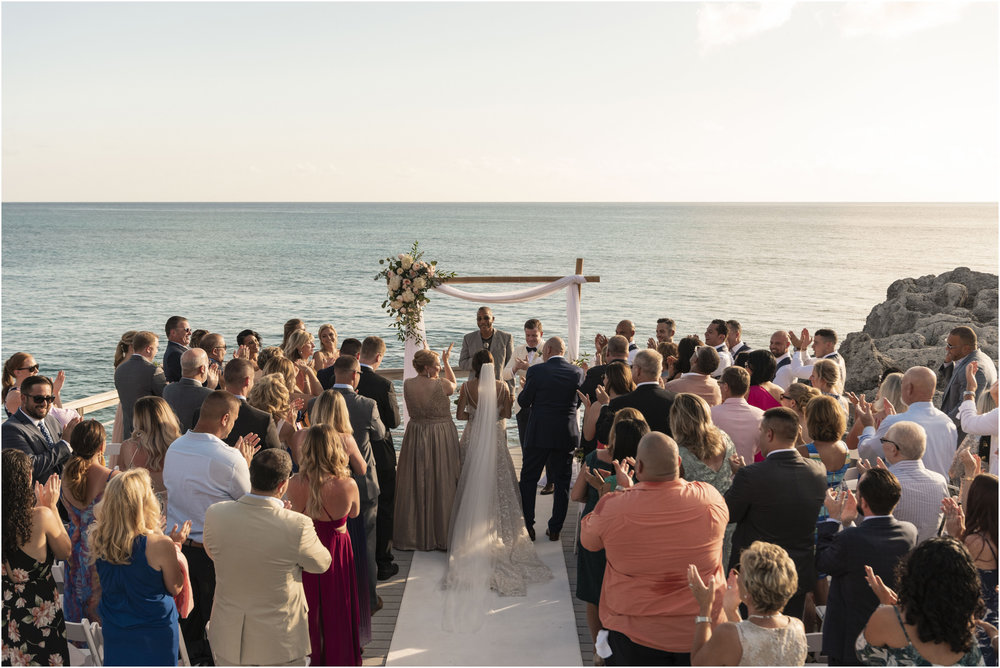 ©Fiander Foto_Bermuda Wedding Photographer_The Reefs_Taylor_Tedd_089.jpg