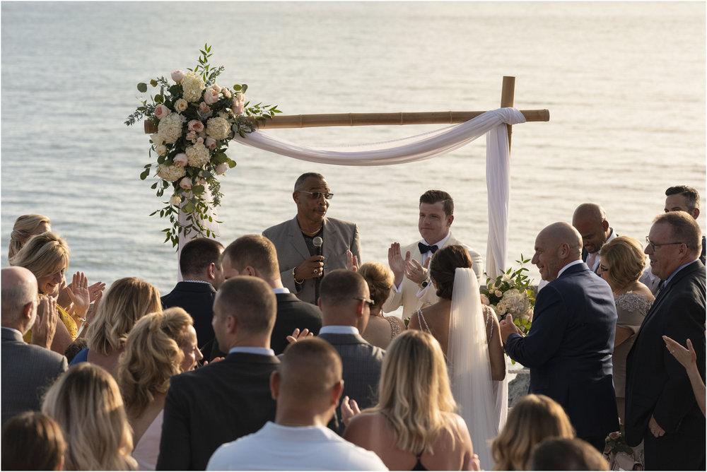 ©Fiander Foto_Bermuda Wedding Photographer_The Reefs_Taylor_Tedd_090.jpg