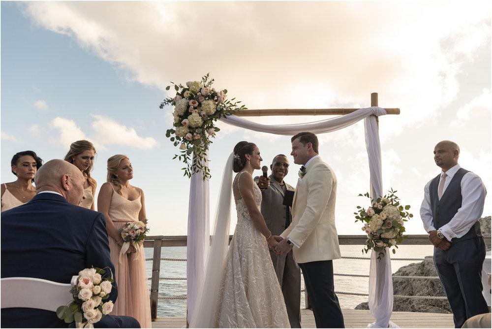©Fiander Foto_Bermuda Wedding Photographer_The Reefs_Taylor_Tedd_105.jpg