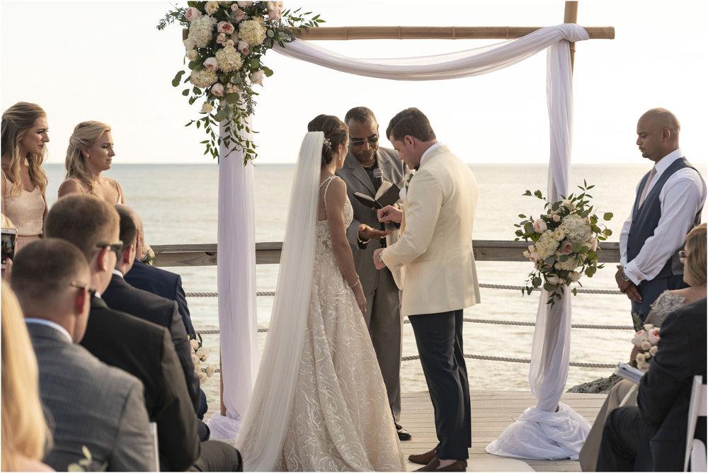 ©Fiander Foto_Bermuda Wedding Photographer_The Reefs_Taylor_Tedd_106.jpg