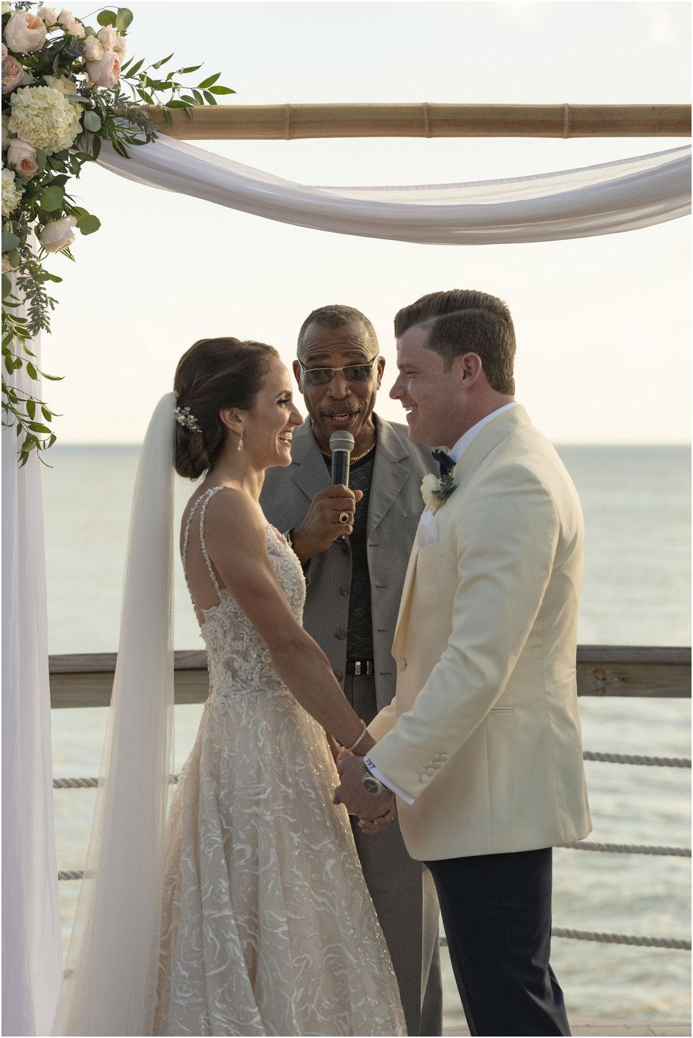 ©Fiander Foto_Bermuda Wedding Photographer_The Reefs_Taylor_Tedd_108.jpg