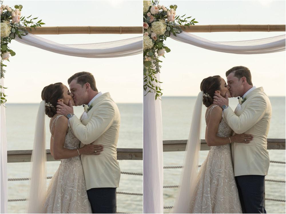 ©Fiander Foto_Bermuda Wedding Photographer_The Reefs_Taylor_Tedd_109.jpg