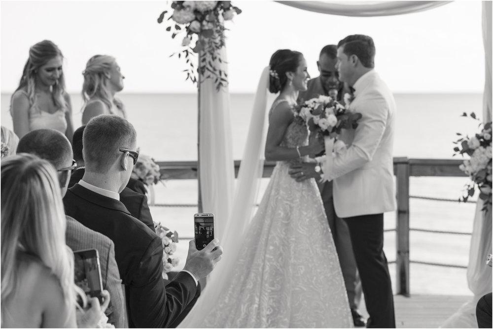 ©Fiander Foto_Bermuda Wedding Photographer_The Reefs_Taylor_Tedd_112.jpg