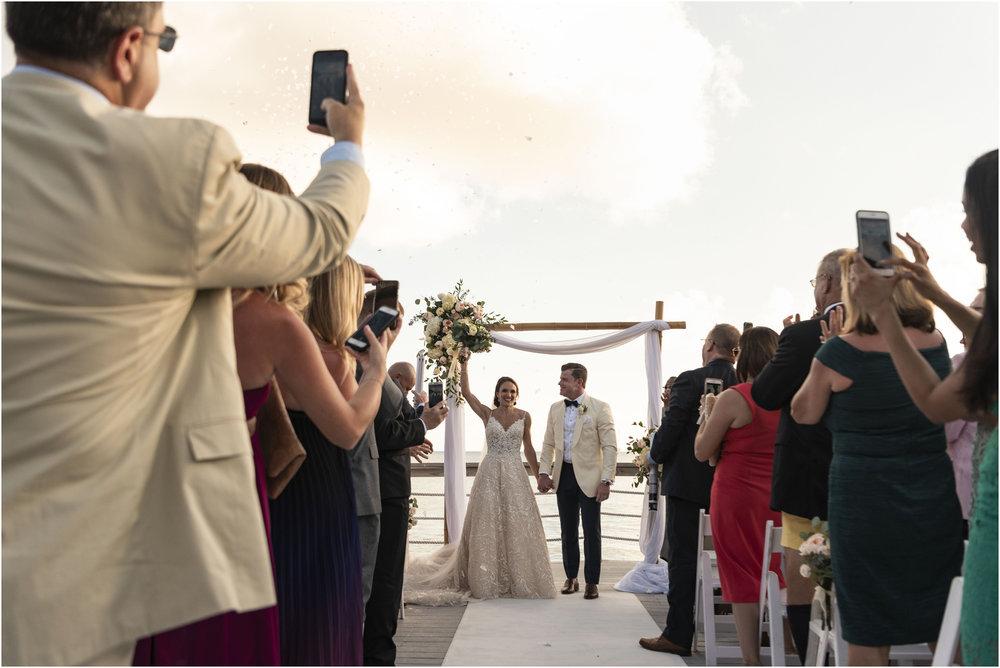 ©Fiander Foto_Bermuda Wedding Photographer_The Reefs_Taylor_Tedd_114.jpg