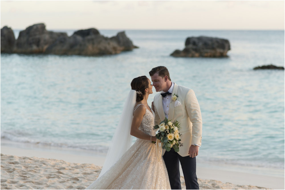 ©Fiander Foto_Bermuda Wedding Photographer_The Reefs_Taylor_Tedd_134.jpg