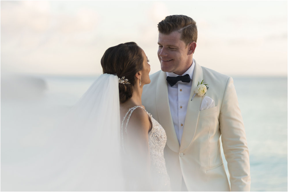 ©Fiander Foto_Bermuda Wedding Photographer_The Reefs_Taylor_Tedd_137.jpg
