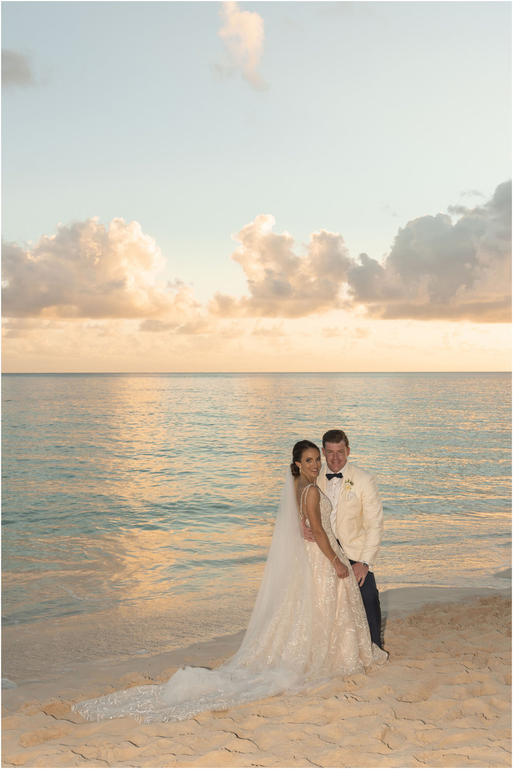 ©Fiander Foto_Bermuda Wedding Photographer_The Reefs_Taylor_Tedd_144.jpg