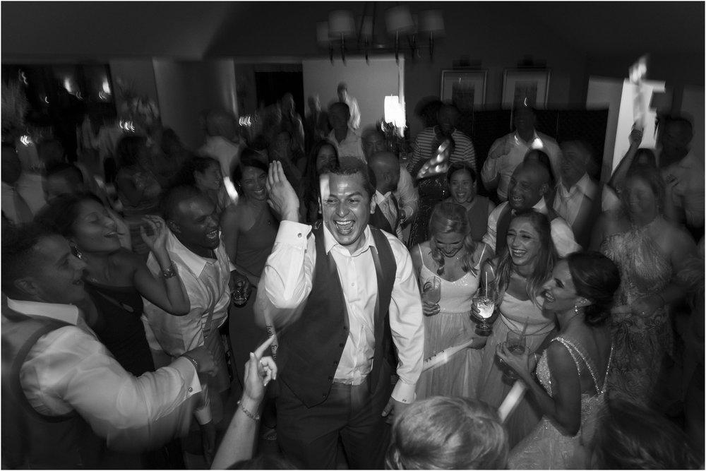 ©Fiander Foto_Bermuda Wedding Photographer_The Reefs_Taylor_Tedd_176.jpg