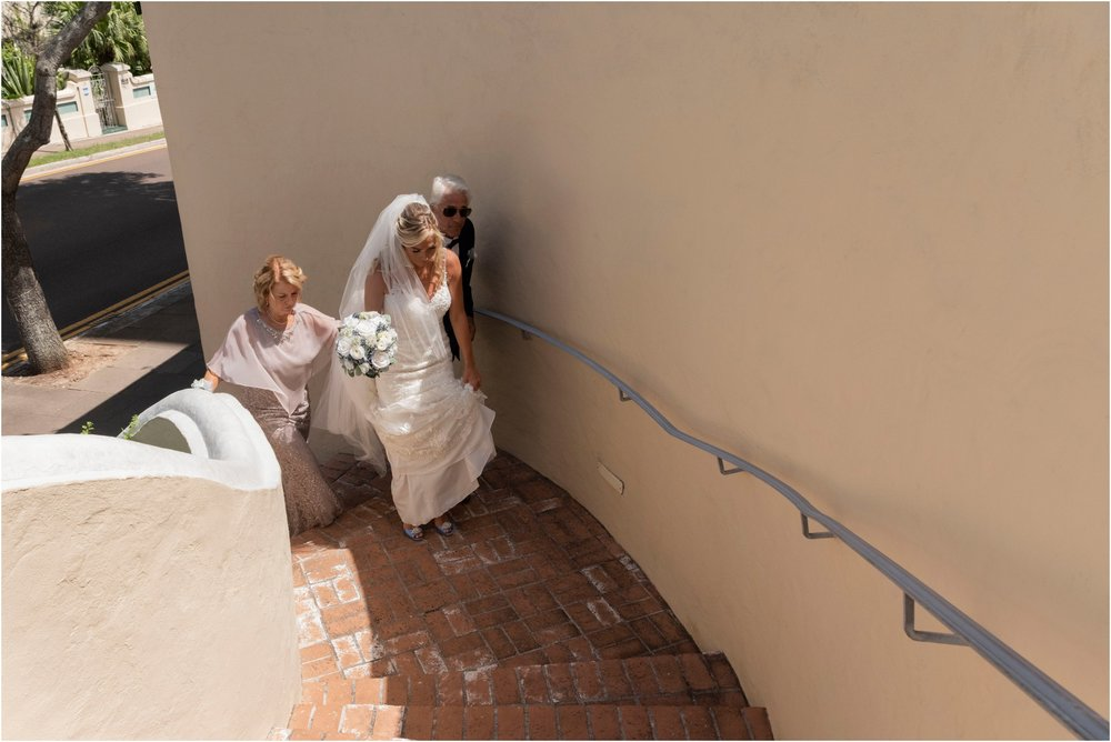 ©FianderFoto_Destination_Wedding_Photographer_Bermuda_Wedding_Photographer_Jaclyn_Anthony__Grotto Bay_153.jpg
