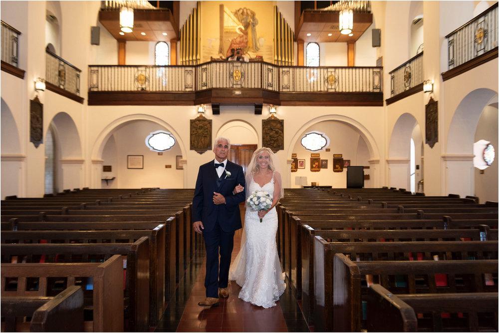 ©FianderFoto_Destination_Wedding_Photographer_Bermuda_Wedding_Photographer_Jaclyn_Anthony__Grotto Bay_043.jpg