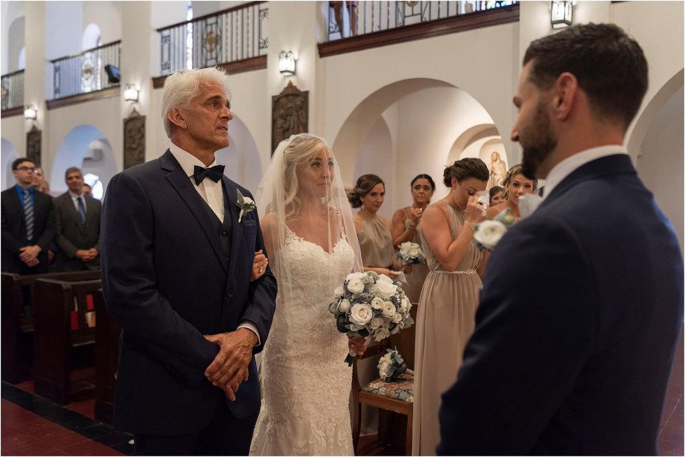 ©FianderFoto_Destination_Wedding_Photographer_Bermuda_Wedding_Photographer_Jaclyn_Anthony__Grotto Bay_046.jpg