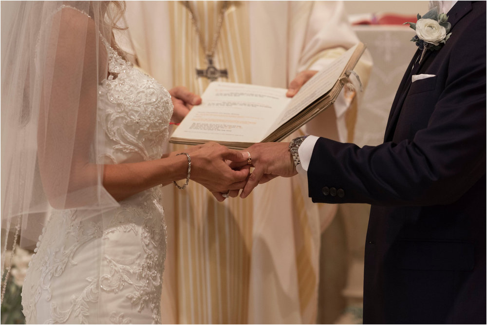 ©FianderFoto_Destination_Wedding_Photographer_Bermuda_Wedding_Photographer_Jaclyn_Anthony__Grotto Bay_065.jpg