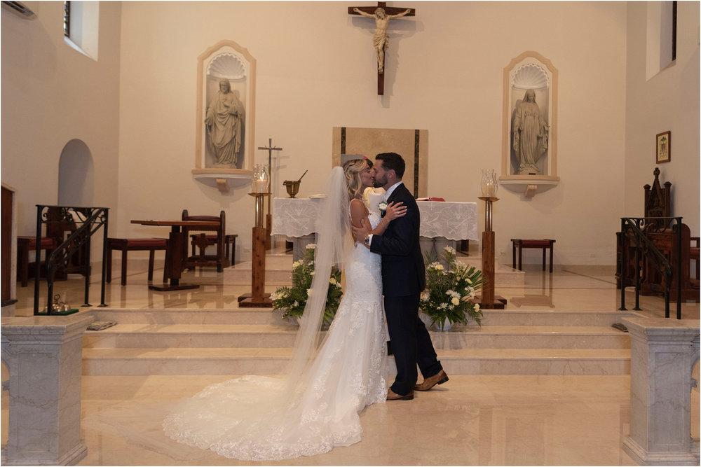 ©FianderFoto_Destination_Wedding_Photographer_Bermuda_Wedding_Photographer_Jaclyn_Anthony__Grotto Bay_066.jpg
