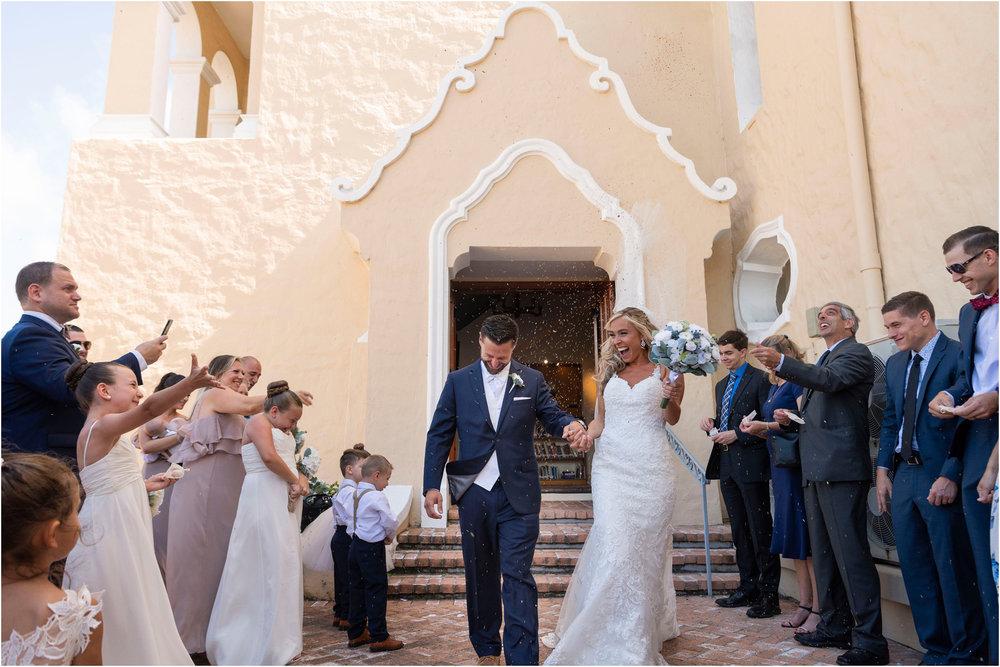 ©FianderFoto_Destination_Wedding_Photographer_Bermuda_Wedding_Photographer_Jaclyn_Anthony__Grotto Bay_077.jpg