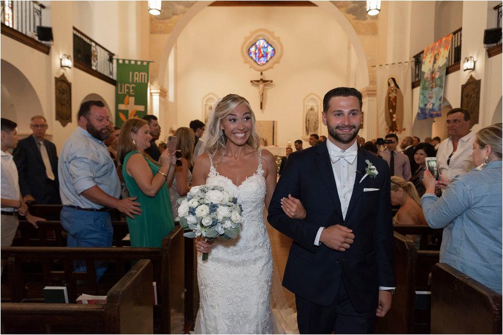 ©FianderFoto_Destination_Wedding_Photographer_Bermuda_Wedding_Photographer_Jaclyn_Anthony__Grotto Bay_073.jpg
