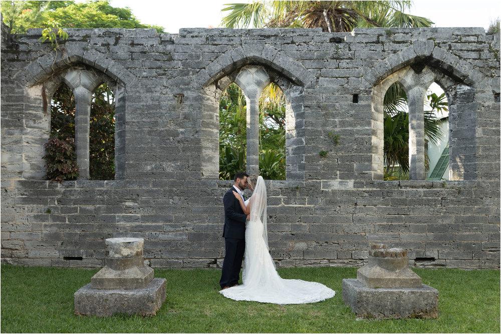 ©FianderFoto_Destination_Wedding_Photographer_Bermuda_Wedding_Photographer_Jaclyn_Anthony__Grotto Bay_095.jpg