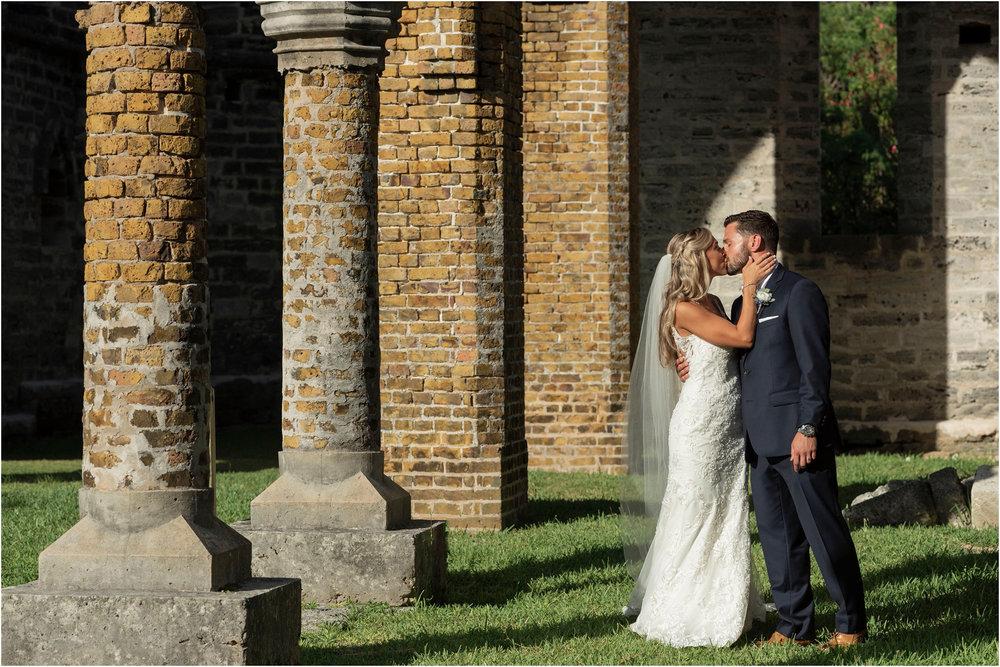 ©FianderFoto_Destination_Wedding_Photographer_Bermuda_Wedding_Photographer_Jaclyn_Anthony__Grotto Bay_099.jpg