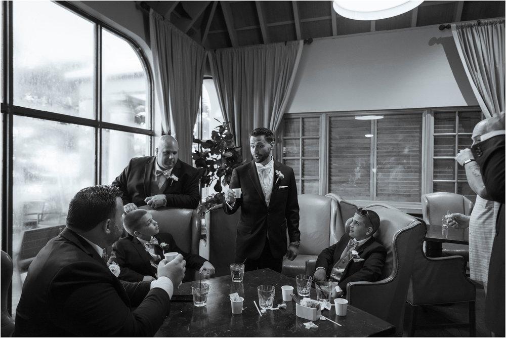©FianderFoto_Destination_Wedding_Photographer_Bermuda_Wedding_Photographer_Jaclyn_Anthony__Grotto Bay_108.jpg