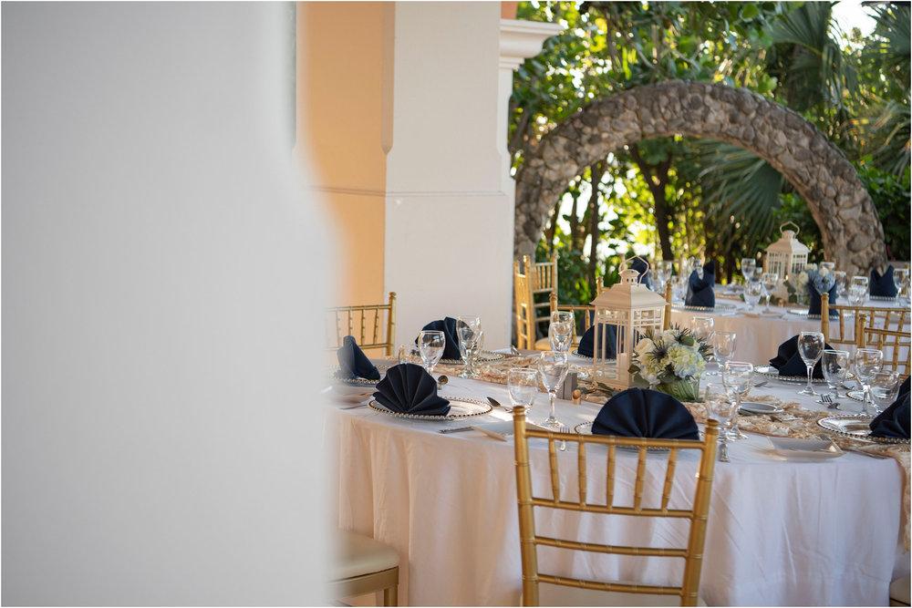 ©FianderFoto_Destination_Wedding_Photographer_Bermuda_Wedding_Photographer_Jaclyn_Anthony__Grotto Bay_158.jpg
