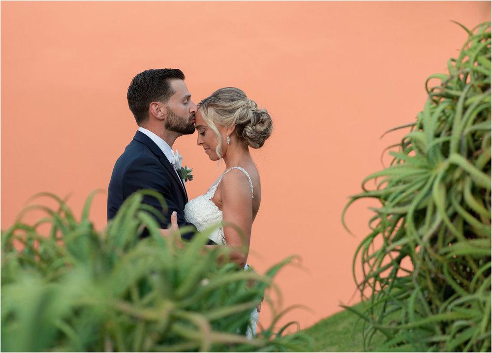 ©FianderFoto_Destination_Wedding_Photographer_Bermuda_Wedding_Photographer_Jaclyn_Anthony__Grotto Bay_115.jpg