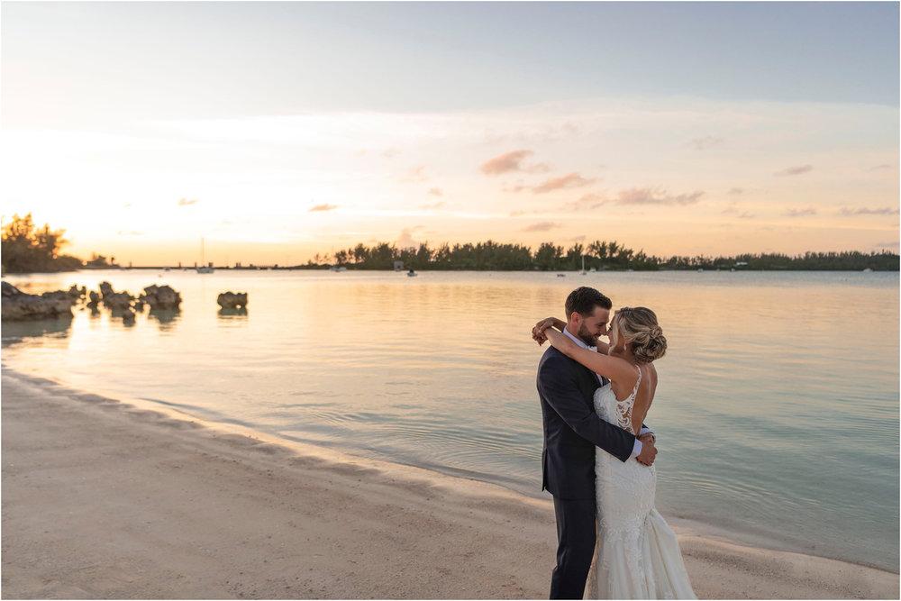 ©FianderFoto_Destination_Wedding_Photographer_Bermuda_Wedding_Photographer_Jaclyn_Anthony__Grotto Bay_118.jpg